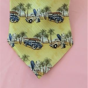 Vintage 100% Silk Yellow Car Tie By Class Club